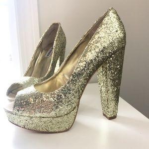 NWOT Steve Madden Gold Glitter Open Toe Pumps sz 9